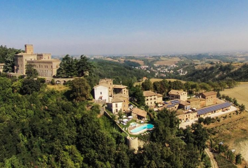 Vista dall'alto del borgo di Tabiano