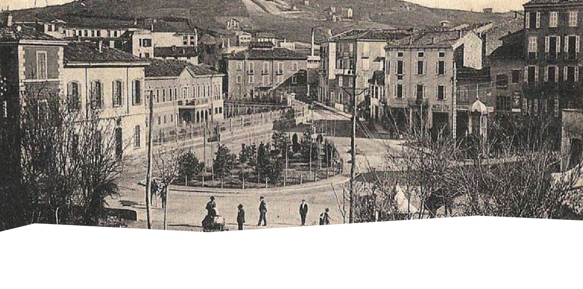 Old postcard of Largo Cavallotti and Via Cavour, Salsomaggiore Terme