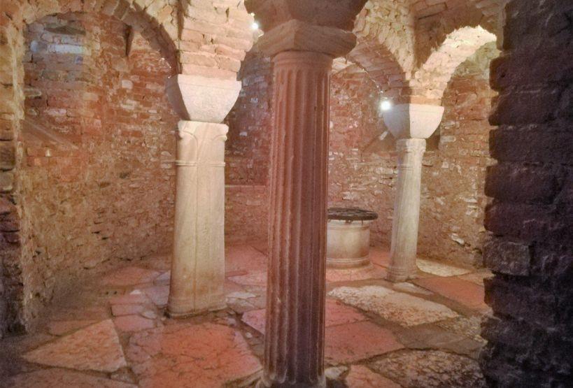 Interno della Pieve di San Nicomede
