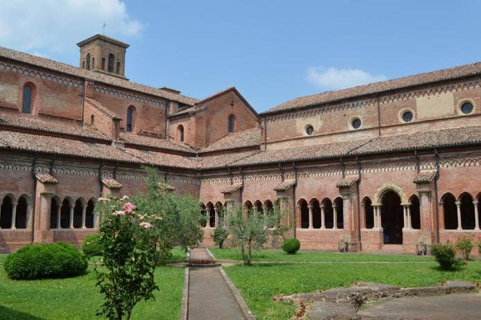 Abbazia cistercense a Chiaravalle della Colomba